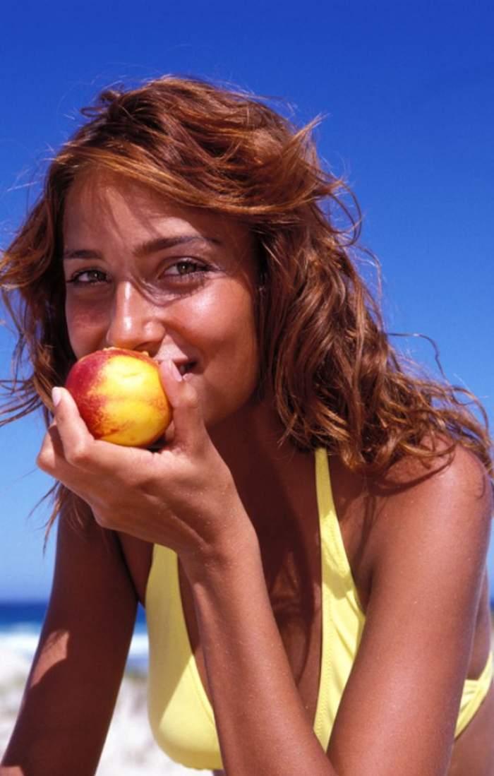ÎNTREBAREA ZILEI - MIERCURI: Cum îţi poate influenţa o dietă starea psihică?