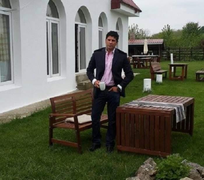 Așa ceva nu s-a mai pomenit! Stelian Ogică, euforic, a făcut show în chiloți! A înotat în lac și a cules.... nuferi! Video EXCLUSIV
