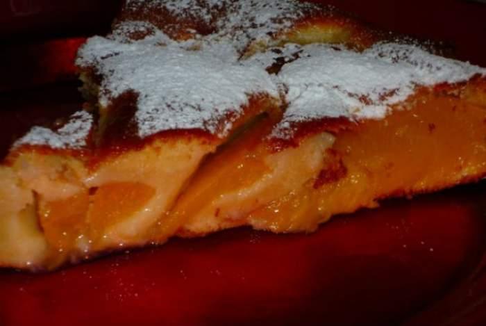 Reţeta zilei - LUNI: Prajitură cu nectarine pentru gospodine divine