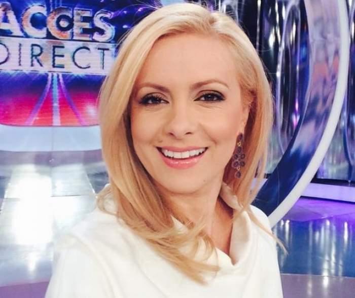 """Simona Gherghe, cu un look de primăvară! Cum a apărut prezentatoarea în platoul """"Acces Direct"""""""