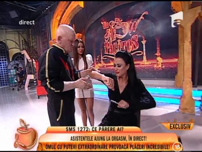 """VIDEO / Daniela Crudu şi Ana Mocanu, """"orgasm"""" în direct provocat de Omul ELECTRIC! Ce reacţie au avut asistentele """"păcătoase"""" la atingerea lui Biba Struja"""