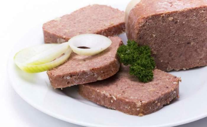 După ce vei citi asta, nu vei mai mânca niciodată conserve din carne! De sub capac pândeşte cancerul la stomac