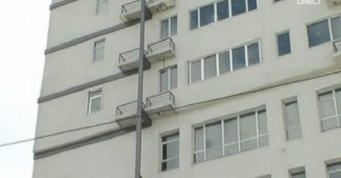 A vrut să aibă un sfârşit TRAGIC! O elevă de 15 ani s-a aruncat de la etaj!