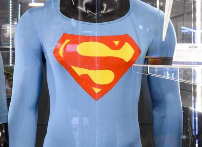 O să mori de râs nu alta! Cum arată Superman în versiunea Bollywood