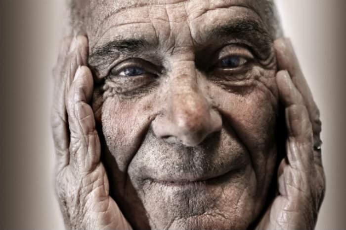 Cine nu are bătrâni să îşi cumpere. 45 de lecţii de viaţă pe care un om de 90 de ani ni le dă