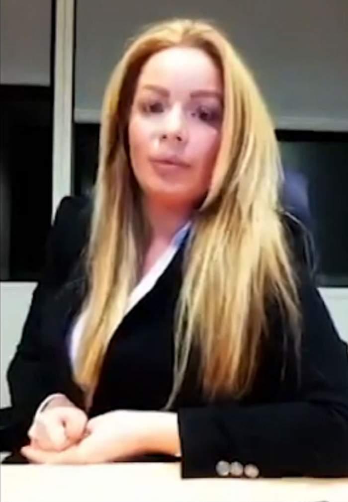 """VIDEO / Piţipoanca de la Drept nu e nimic. Blonda asta """"tunată"""" îţi spune cum să reuşeşti în avocatură:""""Îţi trebuie bani să ieşi în cluburi selecte ca să îţi faci relaţii"""""""