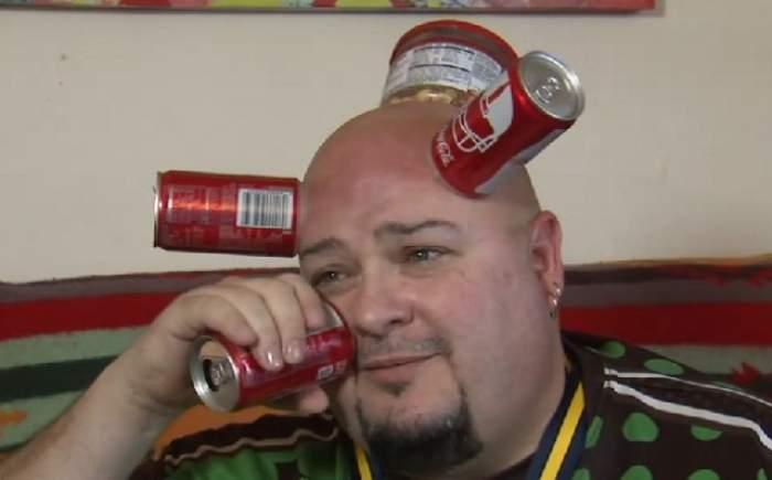 """VIDEO / Și-a pus o cutie de suc pe frunte, iar ce a urmat l-a făcut bogat! Povestea impresionantă a lui """"Doză-cap"""""""