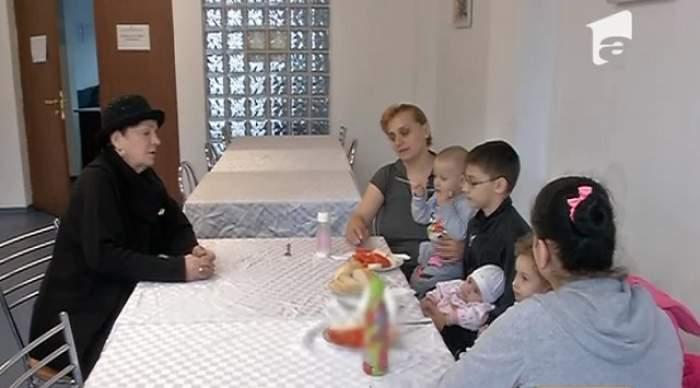 Ionela Prodan, impresionată de femeia care a rămas cu copiii pe stradă. Ce le-a promis artista