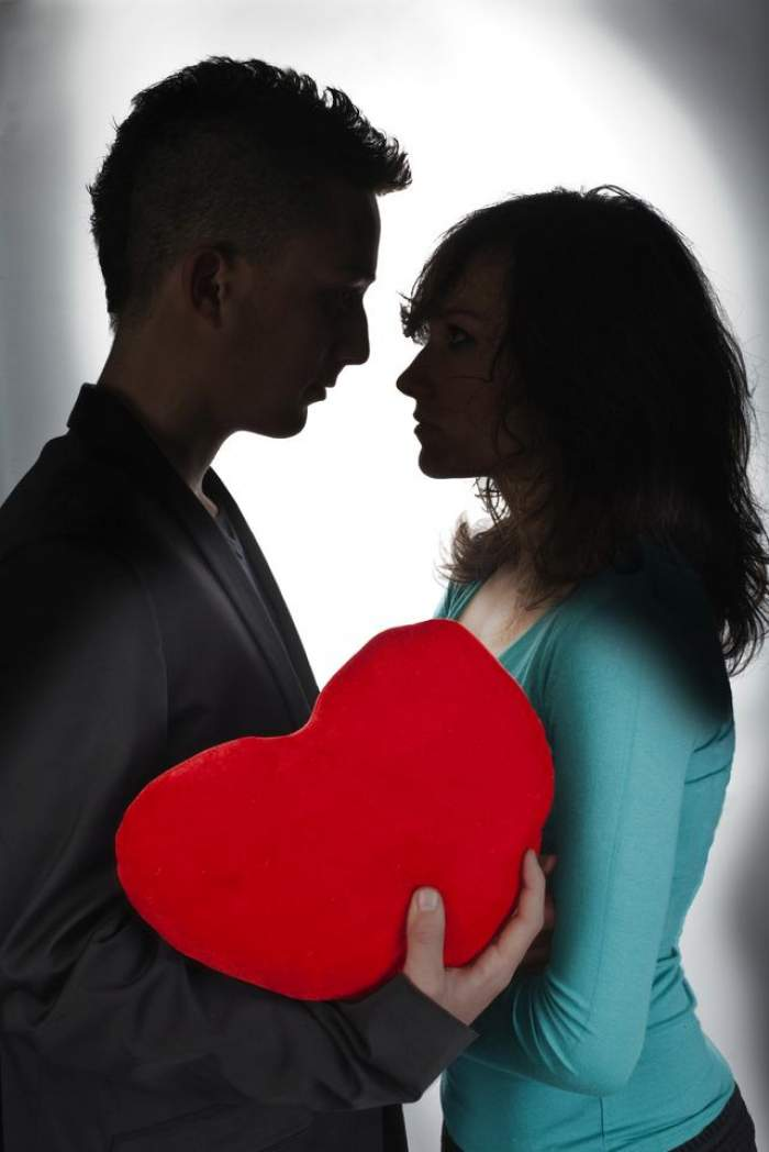 ÎNTREBAREA ZILEI - DUMINICĂ: Cum ne dăm seama că am găsit partenerul de viaţă făcut pentru noi?