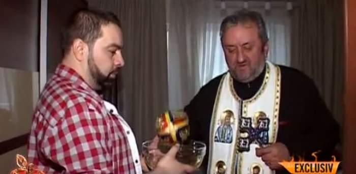 VIDEO / Florin Salam a chemat preotul de urgenţă, acasă, a doua zi după botez! Ce s-a întâmplat