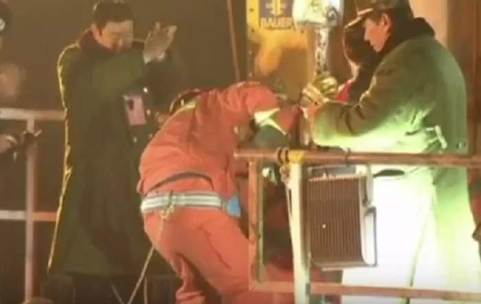VIDEO / Minune, nu alta! Patru mineri au fost scoşi în viaţă dintr-o mină, după 36 de zile