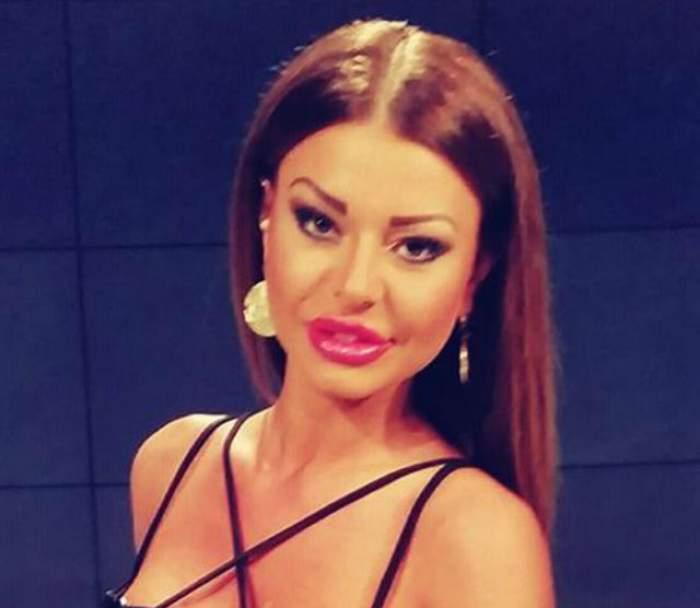 Ana Mocanu, poză în costum de baie printre cearceafuri! Patul răvăşit a atras atenţia