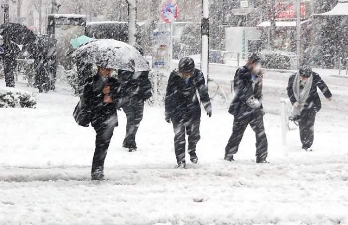 Evitaţi deplasările în spaţii deschise şi expunerea la frig! Ministerul Sănătăţii atrage atenţia asupra riscurilor din această perioadă