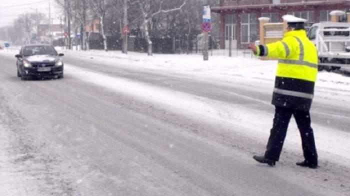 Şapte administratori de drumuri, amendaţi de Poliţia Rutieră