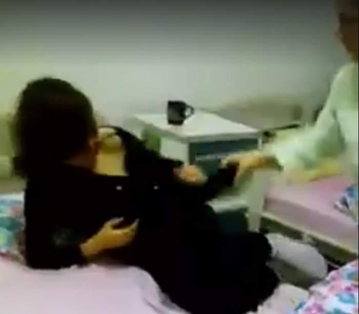 VIDEO / Imagini revoltătoare. O pacientă este bătută într-un spital din România