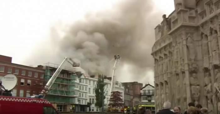 VIDEO / Imagini terifiante! Cel mai mare hotel din Anglia a fost înghiţit de flăcări