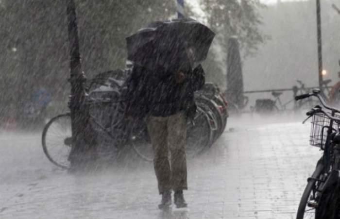 Atenţie! Informare meteorologică. Se anunţă ploi, intensificări ale vântului şi ninsori viscolite