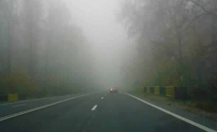 Şoferi, circulaţi cu băgare de seamă! Meteorologii au emis COD GALBEN de CEAŢĂ şi condiţii de POLEI