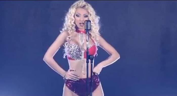VIDEO / Cristina Pucean s-a apucat de cântat manele! Vă place prima ei piesă?
