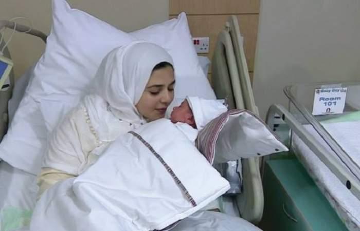 Premieră medicală: a născut, deşi a făcut chimioterapie! Medicii i-au congelat ovarele în copilărie
