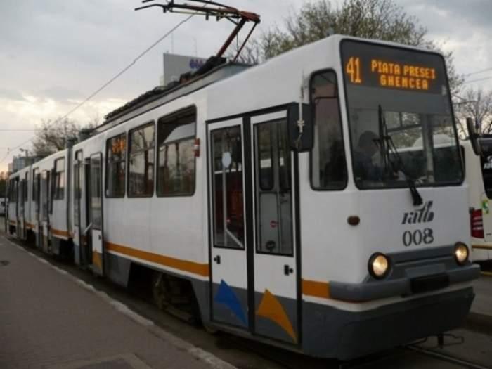 Accident în capitală pe linia tramvaiului 41! Circulaţia e blocată
