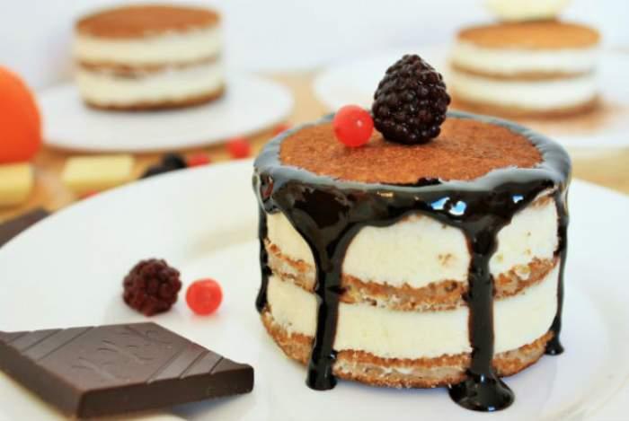 REŢETA ZILEI - SÂMBĂTĂ: Pancakes cu mere şi cremă de mascarpone