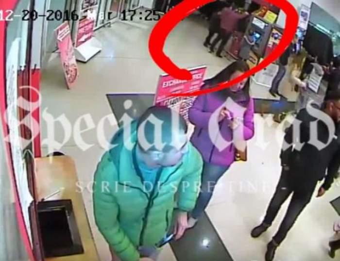 VIDEO / Copilul, noua metodă de a fura din magazine! La ce manevră a apelat un bărbat ca să şterpelească o geacă