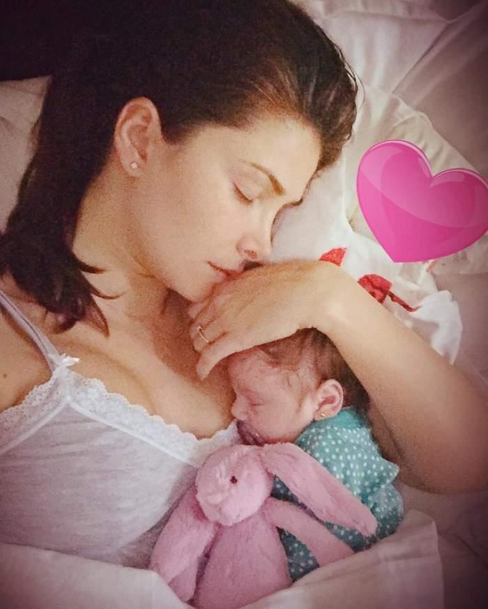 FOTO / Alina Puşcaş şi fiica ei, în cel mai intim moment mamă-fiică! Melissa e bucăţică ruptă din vedetă