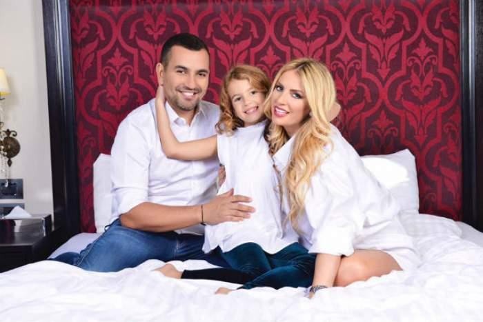 """E ziua soţului Andreei Bănică, iar artista i-a făcut public o declaraţie de iubire: """"Fericirea ta e..."""" POZA de album care i-a topit pe fani"""