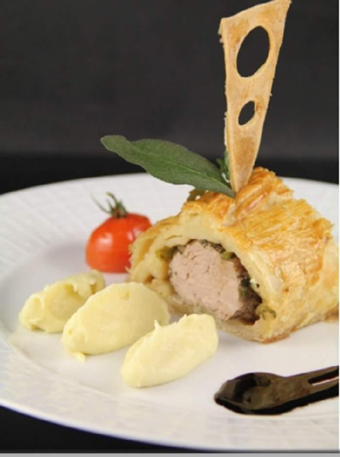 Rețeta zilei: Mușchiuleț de porc in foietaj. Perfect pentru seara de Revelion