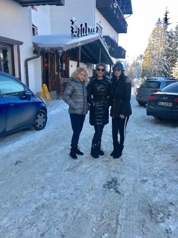 FOTO / Nașa și fina radiază de fericire! Anamaria Prodan și Andreea Tonciu se răsfață cum știu ele mai bine de Revelion