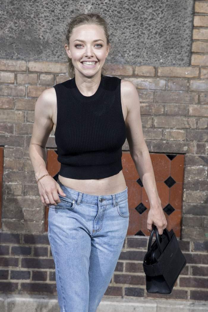Amanda Seyfried e însărcinată! Mila Kunis a dat vestea pe Facebook