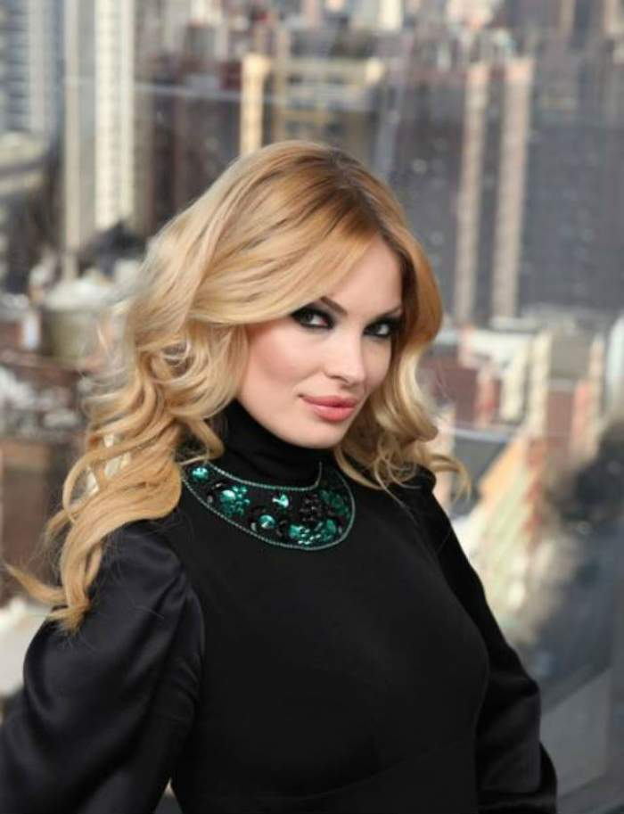 Valentina Pelinel, cu burta la gură pe străzile din New York!