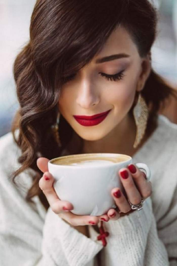 Trebuie să ştii acest lucru! Ce se întâmplă dacă bei PATRU ori CINCI căni de cafea pe zi! Efectele sunt nebănuite