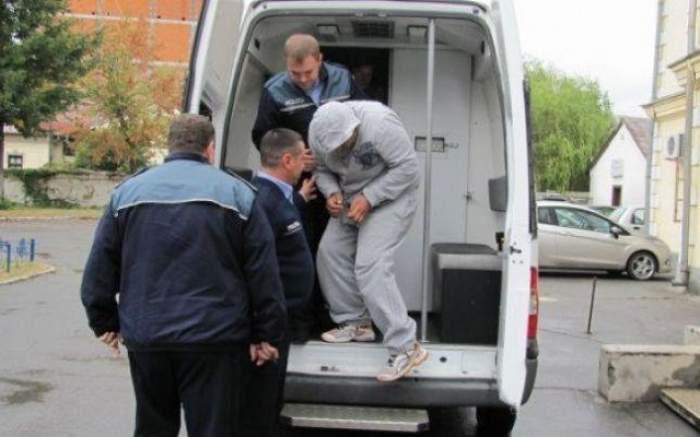 Tânără bătută şi jefuită în faţa blocului de un infractor care abia ieşise in puşcărie!