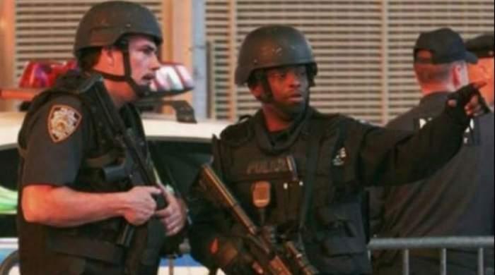 Trei oameni au murit şi alţi 14 au fost răniţi într-un atac artmat din SUA