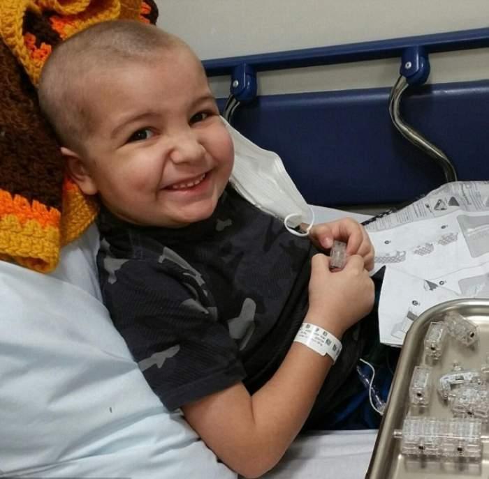 VIDEO /  Are cinci ani şi a fost diagnosticat cu leucemie, dar nu-i lipseşte curajul! Gestul incredibil făcut de un puşti a emoţionat o lume întreagă