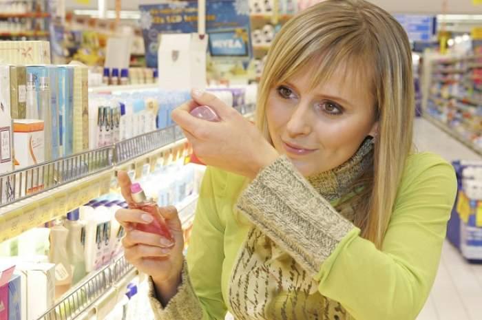 Ai nevoie de un parfum scump cu bani puţini? Cum să nu te laşi ţepuit! Şase semne ale parfumurilor contrafăcute