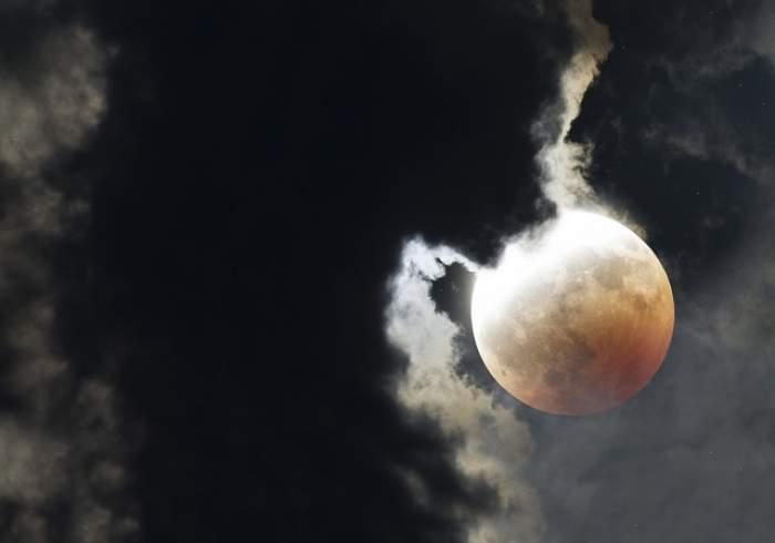 """VIDEO / Fenomenul astrologic care aduce moartea pe pământ! """"O să fim dominaţi de teamă"""""""