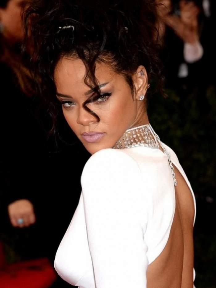 """VIDEO / Rihanna, şocată de interpretarea unui fan: """"Uau, ce bine cântă!"""". Cine este tânărul care a reuşit să o uimească"""