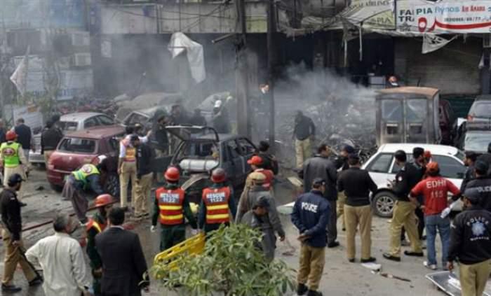 Tragedie în estul Pakistanului! Cel puţin 38 de morţi şi 100 de răniţi într-un posibil atac sinucigaş