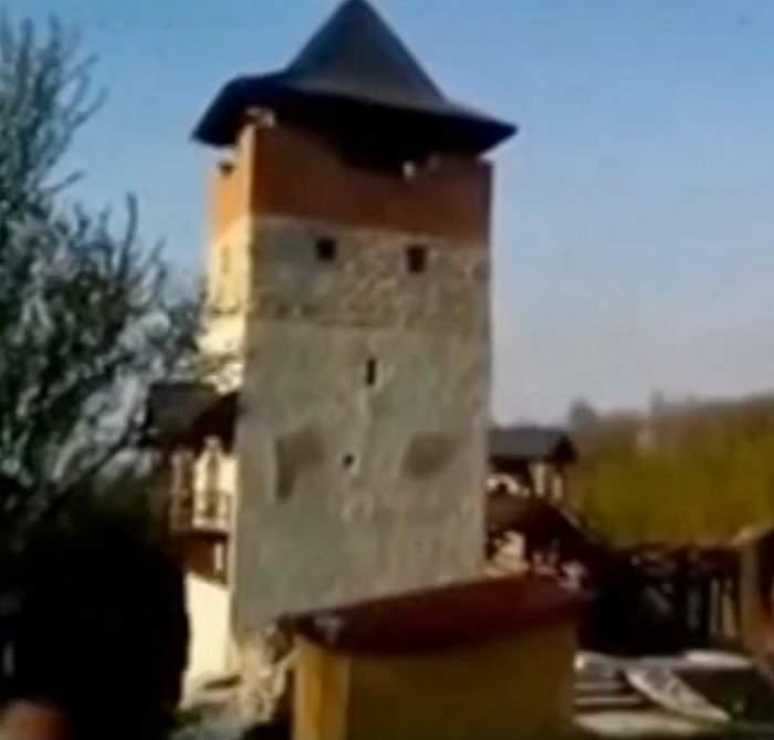 VIDEO / Striptease pe monument! Imaginile surprinse cu angajaţii primăriei
