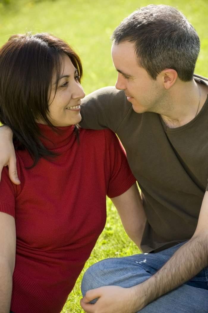 Au trecut zece ani deja de când sunteţi împreună? Trebuie să ştii asta despre el până nu e prea târziu! Cum să depăşeşti criza vârstei de mijloc