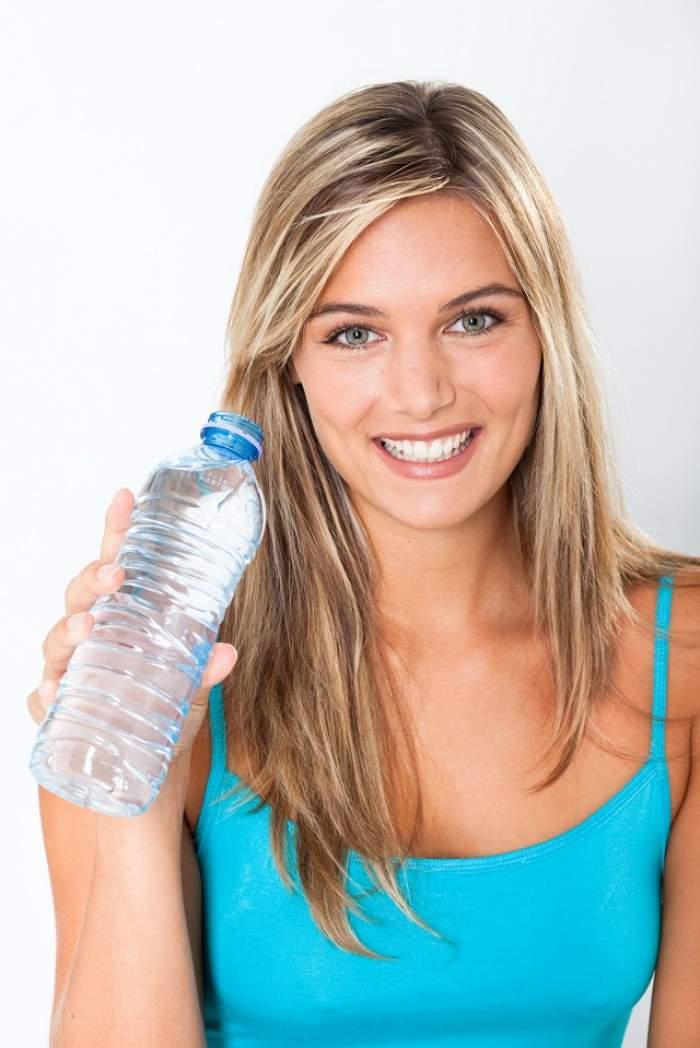 A băut patru litri de apă timp de 30 de zile! Ce i s-a întâmplat apoi e absolut spectaculos