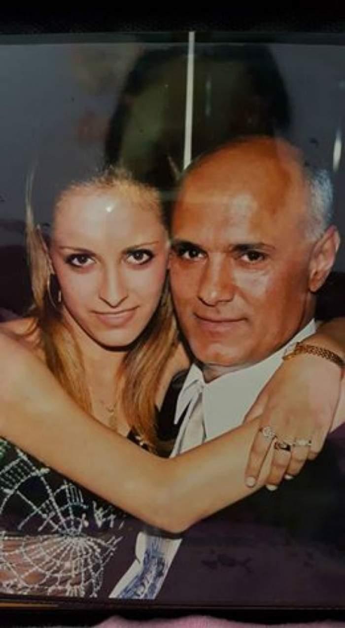 FOTO / Fiica lui Fane Spoitoru îşi strigă durerea! Ce a făcut la doar o zi după ce şi-a înmormântat tatăl