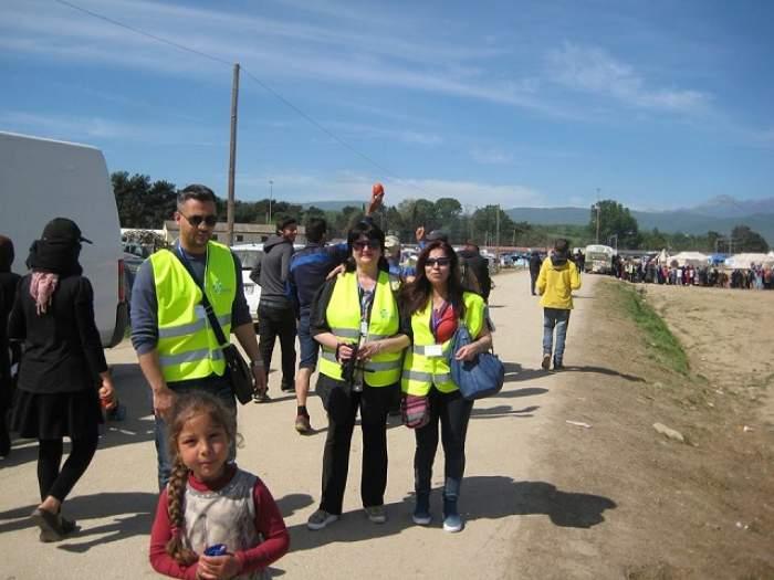Imagini emoţionante cu românii dintr-o tabără de refugiaţi! Se întâmplă chiar acum, aproape de ţara noastră