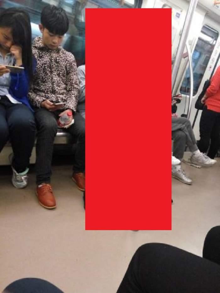 FOTO / Călătoria cu metroul nu a fost una obişnuită pentru mii de persoane! Ce au observat i-a lăsat... ca la dentist