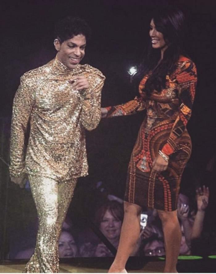 VIDEO / Momentul care va rămâne în istorie! Prince i-a făcut vânt lui Kim Kardashian de pe scenă
