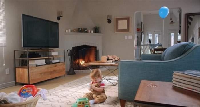 FOTO / Priveşte bine imaginea asta! Ai crede că e o cameră superbă, în care un copil se joacă, dar habar n-ai la ce riscuri se expune! Le vezi?