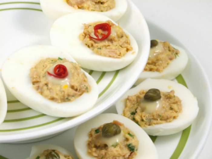 REŢETA ZILEI -  Sâmbătă: Ouă umplute cu ton